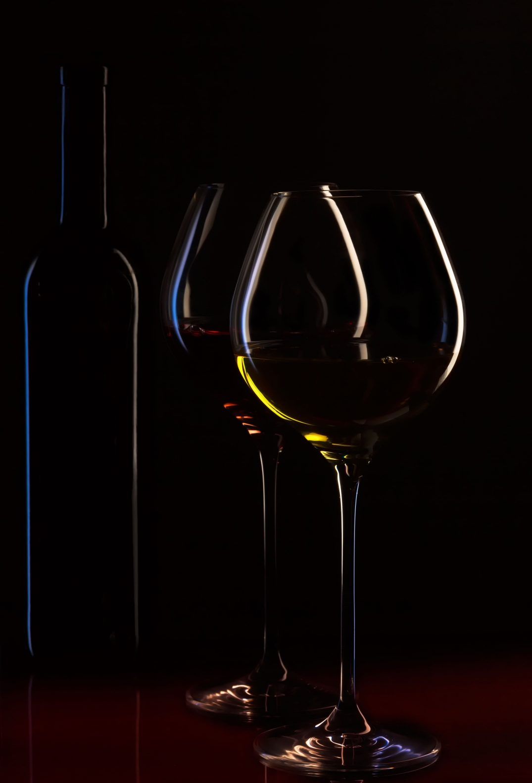 wine-bottle-wine-glasses-wine-ambience